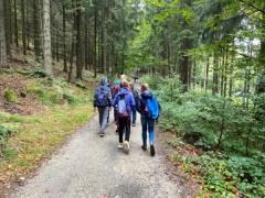 Wanderung zu den Mühlsteinbrüchen